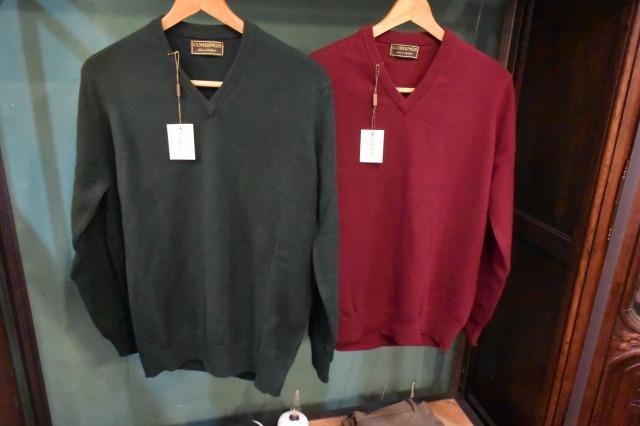 画像1: CORDINGS Vネックウールセーター